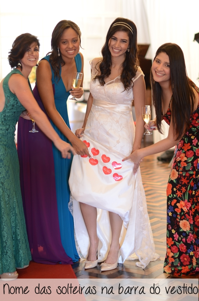 personalizar-o-seu-casamento-nome-das-solteira-na-barra-vestido