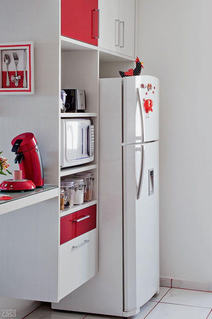 como usar vermelho na cozinha - armário vermelho