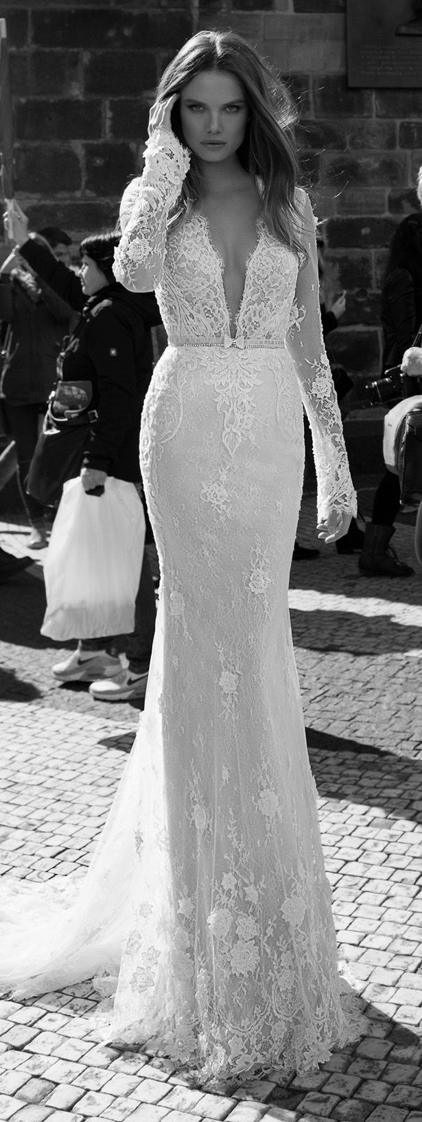 vestido de noiva decotado renda manga comprida - blogoolhaisso