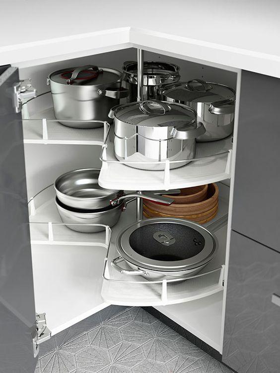 armario de cozinha pratico com carrousel de panelas