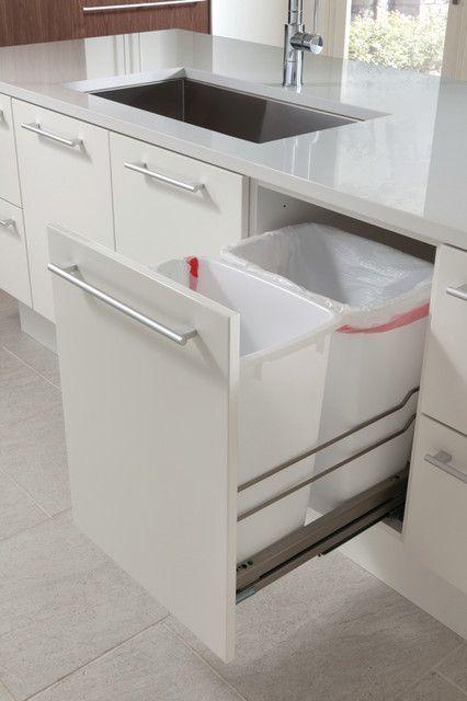 armario de cozinha pratico com porta lixo reciclavel