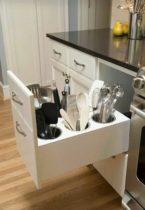 armario de cozinha pratico com porta talheres