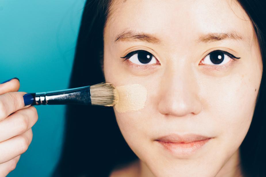 como se maquiar- base ou corretivo