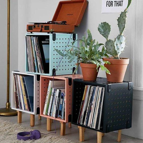 decoração com discos de vinil em apartamento