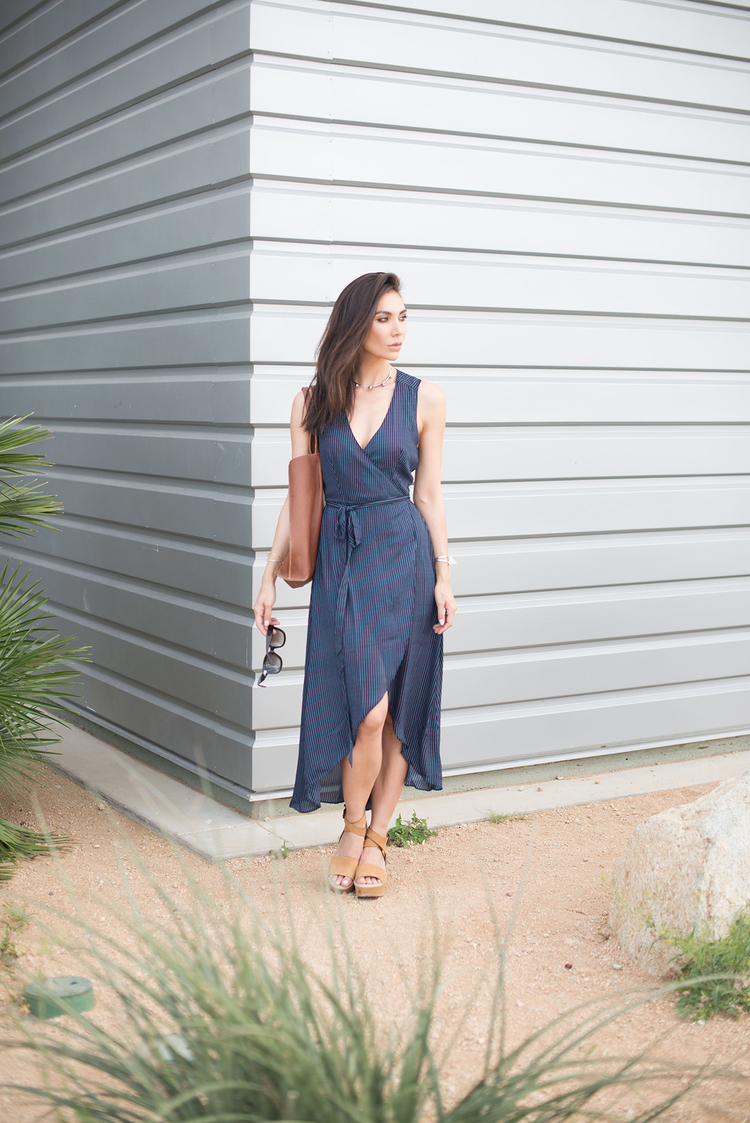088c17b11 como usar vestido envelope longo com tenis. vestido para verão. vestido  transpassado. vestido