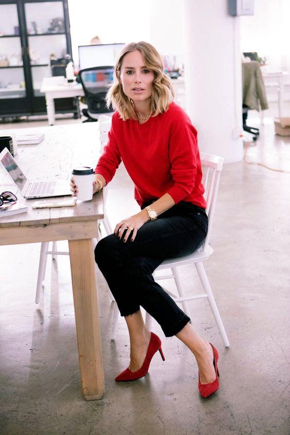 look para trabalhar com tricot vermelho e skinny preta